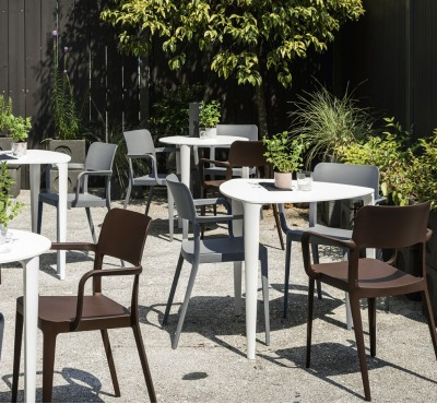Outdoor стулья